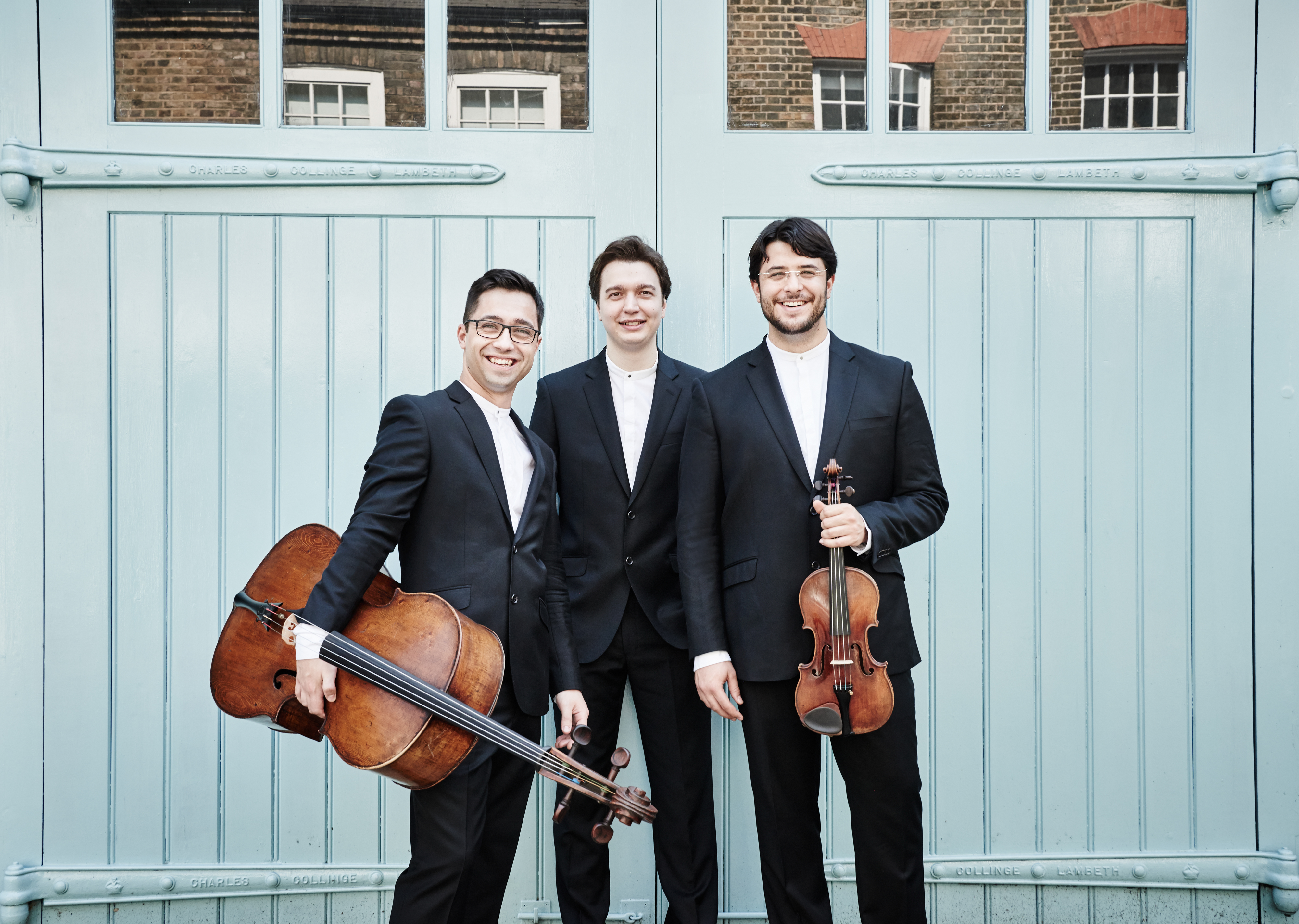 talented trio played dr - HD4000×2846